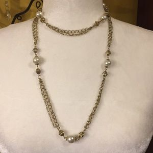 """Jewelry - Vintage Gold Tone Links W Faux Pearls 40"""" EUC"""